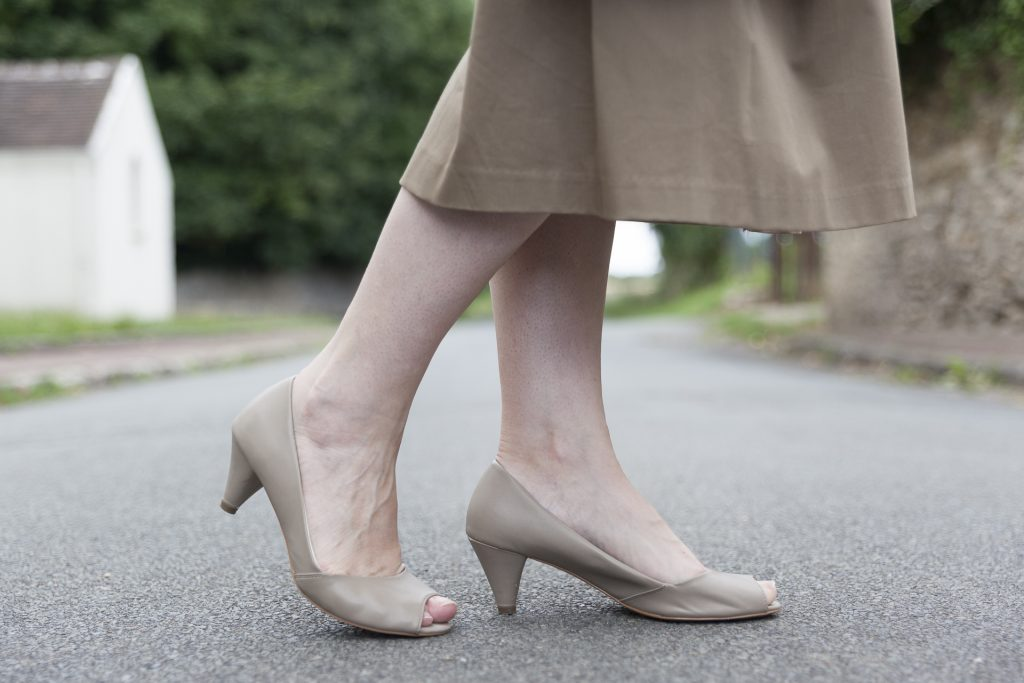 mode blog blogueuse paris zara jupe midi imprimé tropical noeud chaussures escarpins