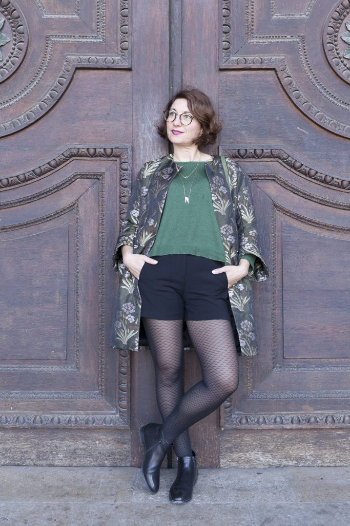 manteau léger vert short boots cuir collant à motifs paris blog mode fashion