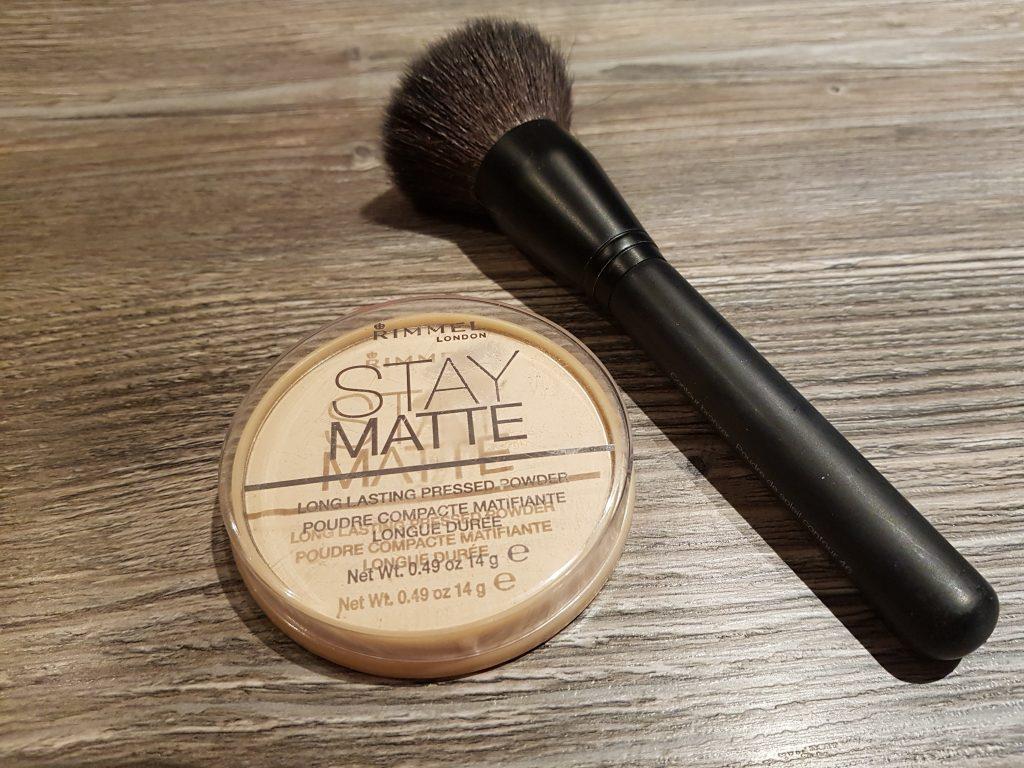 makeup poudre matifiante longue durée rimmel beauté maquillage